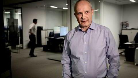 Investor og milliardær Kjetil Holta tror markedene kan falle minst ti prosent frem mot november.