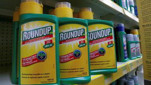 Monsanto, som blant annet produserer ugressmiddelet Roundup, må ut med 640 millioner kroner til kreftoffer.