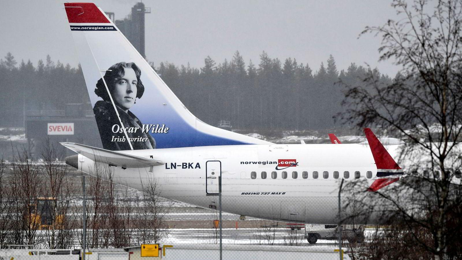Norwegians Boeing 737 Max 8 Oscar Wilde på Arlanda utenfor Stockholm.