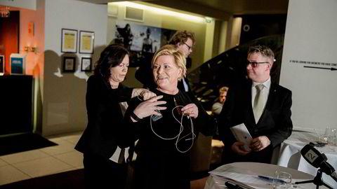 Barne- og likestillingsminister Solveig Horne (til venstre), finansminister Siv Jensen og justisminister Per-Willy Amundsen la tirsdag frem nye tiltak for å begrense omfanget av kreditt og forbrukslån for nordmenn.