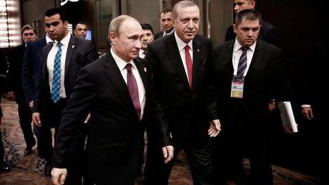 Russlands president Vladimir Putin (til venstre) og Tyrkias president Recep Tayyip Erdogan. Foto: Anadolu Agency/AP/NTB Scanpix