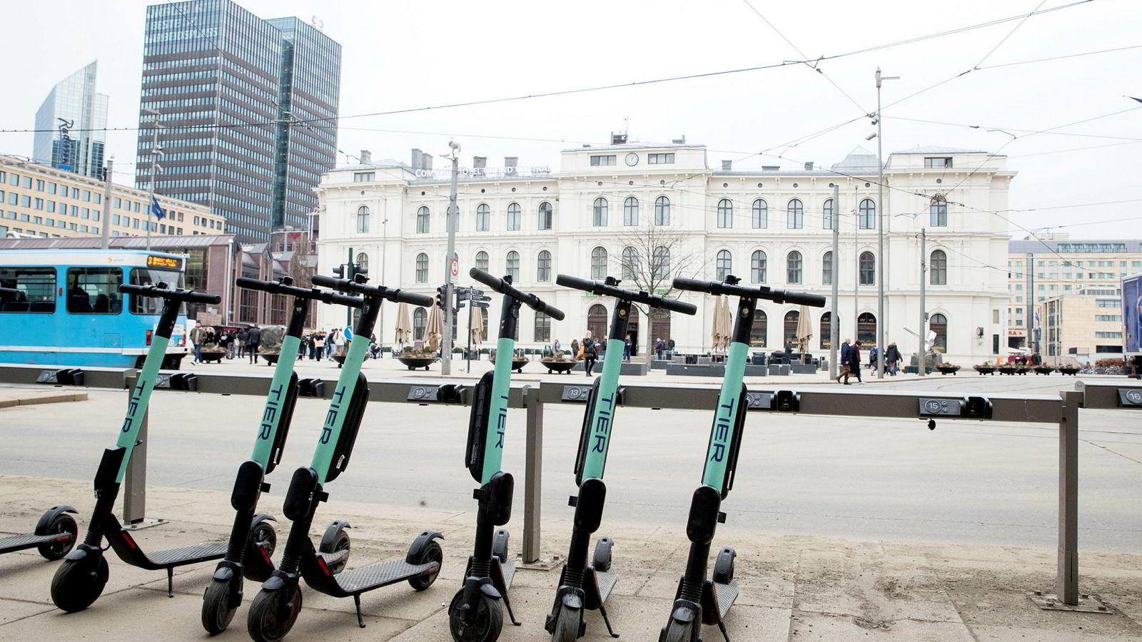 Elektriske sparkesykler er blitt en hit både i Oslo og andre byer.