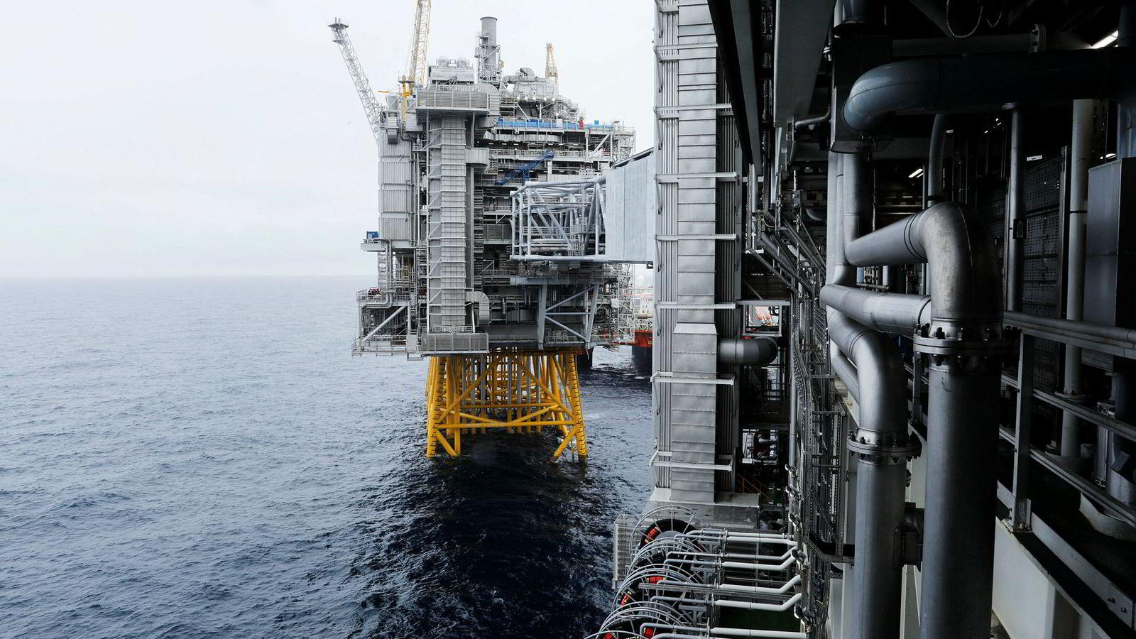 Petroleumsinvesteringene vil øke «markant» i årene fremover, heter det i SSBs konjunkturtendenser. Her fra oljefeltet Johan Sverdrup.
