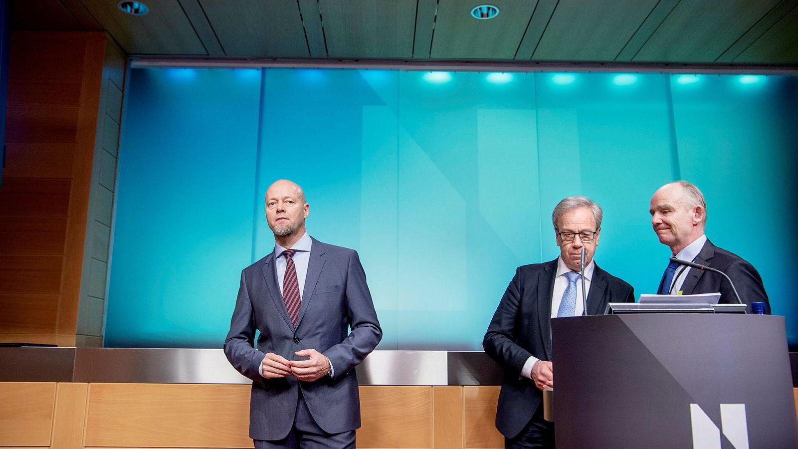 Yngve Slyngstad (til venstre), sjef for Oljefondet, presenterte resultatet for 2018. Norges Bank. Med Øystein Olsen (midten) sentralbanksjef og Runar Malkenes, kommunikasjonsdirektør.