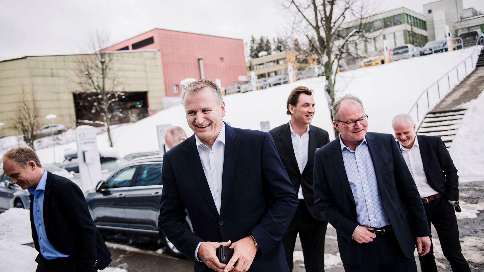 2016 ble et rekordår for Møllergruppen. F.v.: Harald Frigstad, direktør i Møller Bil, Terje Male, konsernsjef Møllergruppen, Erik Sønsterud, finansdirektør Møllergruppen og Pål Syversen, tidligere konsernsjef.
