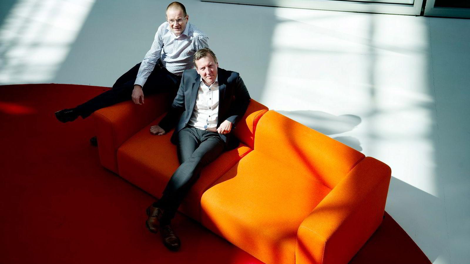 Otivio henter 27 millioner kroner fra private investorer. Administrerende direktør Andreas Mollatt (foran) og forskningsdirektør Iacob Mathiesen.