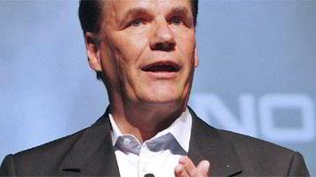 Olli-Pekka Kallasvuo vil ta Nokia inn i nettsamfunnene.