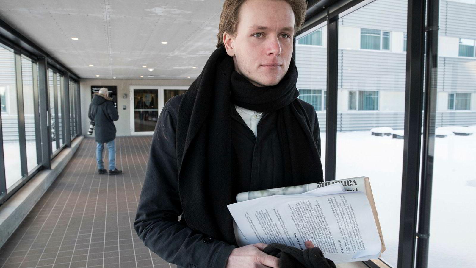 Unge Venstres leder Sondre Hansmark sier Venstre ikke har en eneste bompenge-seier å gi Frp.