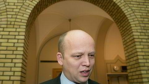 Trygve Slagsvold Vedum i vandrehallen i forbindelse med muntlig spørretime i Stortinget.