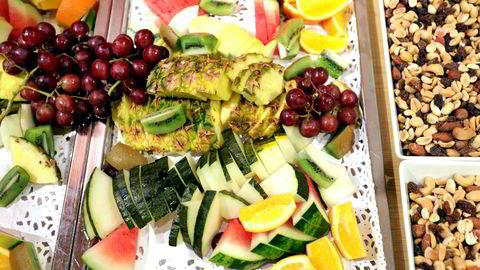 Nøtter og frukt er populære som mellommåltider.