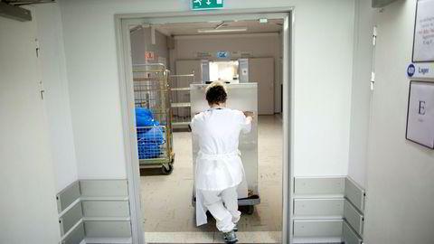 Helsepersonell må få riktig informasjon om pasienten, noe annet er helt sykt.