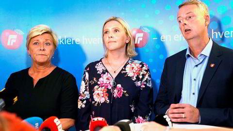 FrP-leder Siv Jensen, 1. nestleder Sylvi Listhaug og 2. nestleder Terje Søviknes snakker med pressen etter landsstyremøtet hvor bompengesaken ble behandlet.