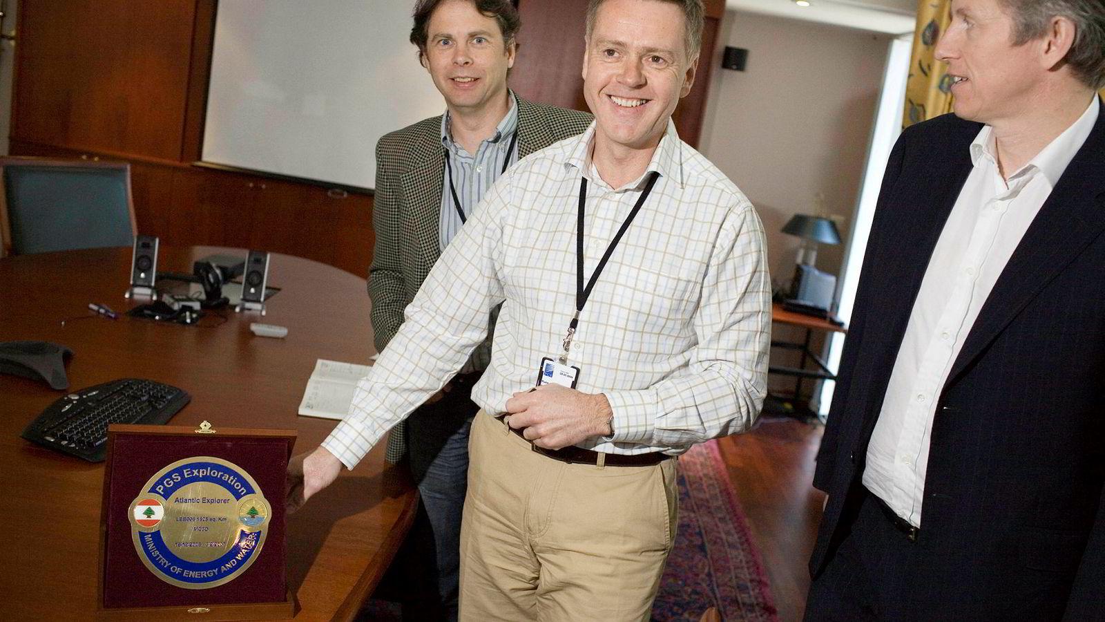 Konsernsjef Rune Eng i Spectrum (hvit skjorte) tjener godt på at selskapet blir kjøpt opp av TGS. Til høyre er Ola Bøsterud som var kommunikasjonsdirektør da både han og Eng jobbet i PGS i 2007.