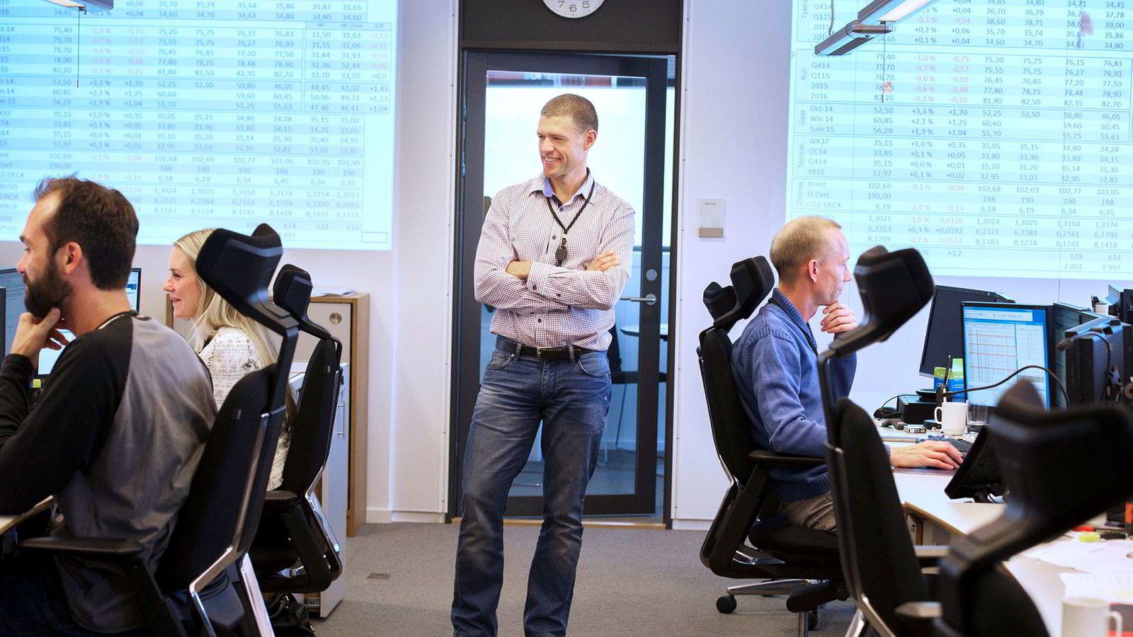 Andreas Myhre, direktør for krafthandel i Los Energy, sier alle tegn peker i retning av at strømprisene vil bli høye fremover.