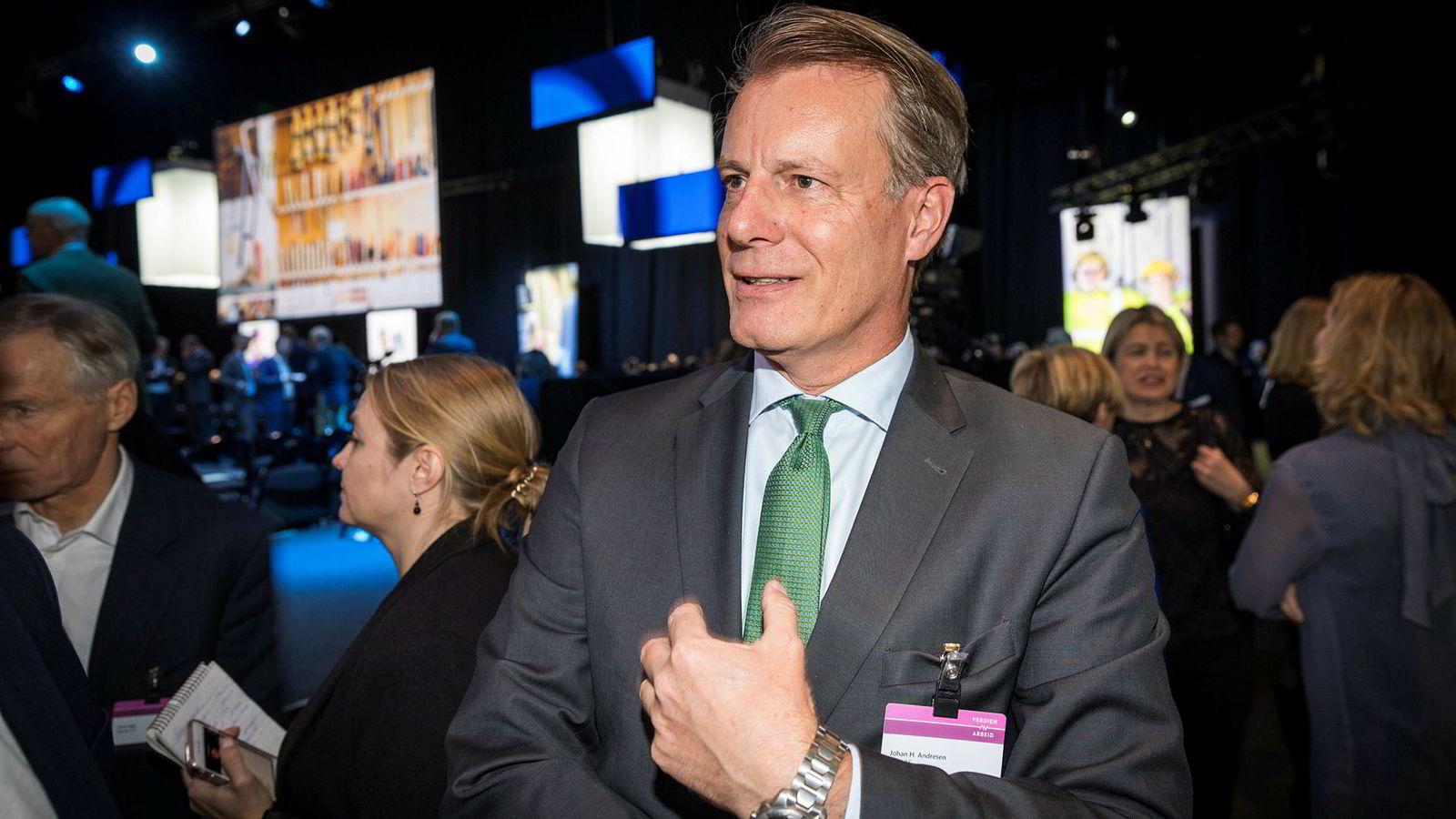 Johan H. Andresen under NHOs årskonferanse. Han mener moderasjon i lønnsoppgjøret vil gi flere arbeidsplasser.
