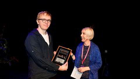 Markus Tobiassen fra DN ble tildelt en pris for sitt arbeid med Tidal-avsløringene av Helen Smith fra Impala.