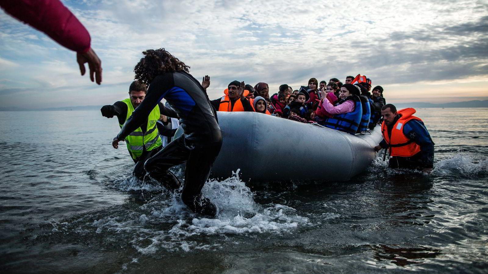 Av de omtrent én million flyktninger som kom til Europa ifjor, har 90 prosent kjøpt tjenester fra kriminelle nettverk, ifølge det europeiske politisamarbeidet Europol. Foto: Manu Brado/AP/NTB Scanpix