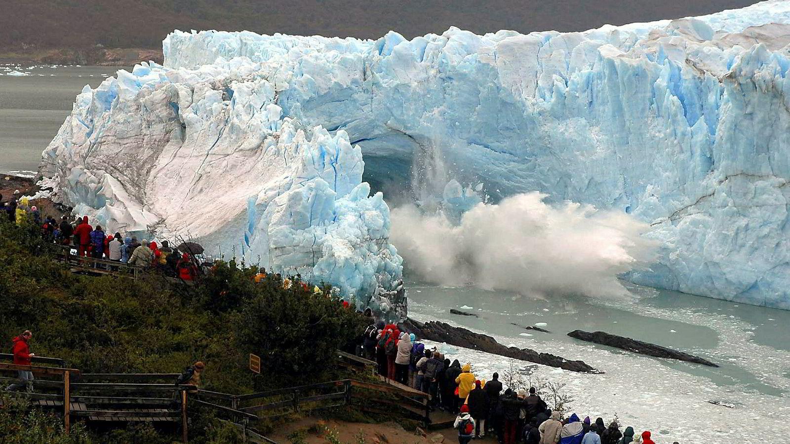Vi må verne mer av naturen, sier filantropen Hansjörg Wyss. Bildet viser Perito Moreno-isbreen ved byen El Calafate i Patagonia-provinsen i sørlige Argentina.