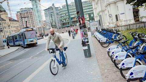 Finansdirektør Kristoffer Bøe Henriksen i selskapet Urban Infrastructure opplever at det er lett å få finansiering til grønne innovasjonsprosjekter for tiden. Foto: Fartein Rudjord