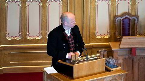 Senterpartiets Trygve Slagsvold Vedum vil ikke ha en ny runde med kommunereform, men en ny rapport viser at det trengs.
