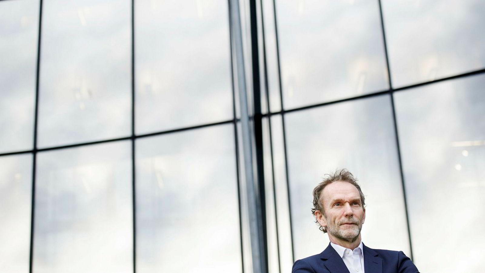 Sjeføkonom Harald Magnus Andreassen i Sparebank 1 Markets mener det er en risiko for at Oslo Børs blir dratt med ned av global økonomi