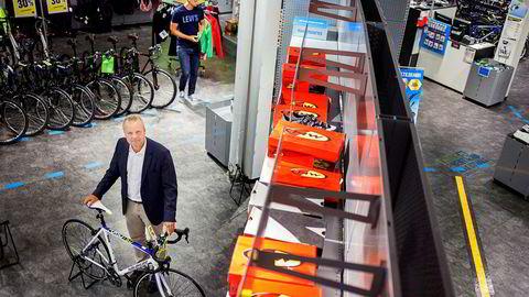 Pål H. Rasmussen har de to siste årene jobbet med å snu underskuddene i Gresvig til overskudd. Nedbemanninger, butikknedleggelser og trimming av konseptet skal gjøre sportsgiganten lønnsom igjen.