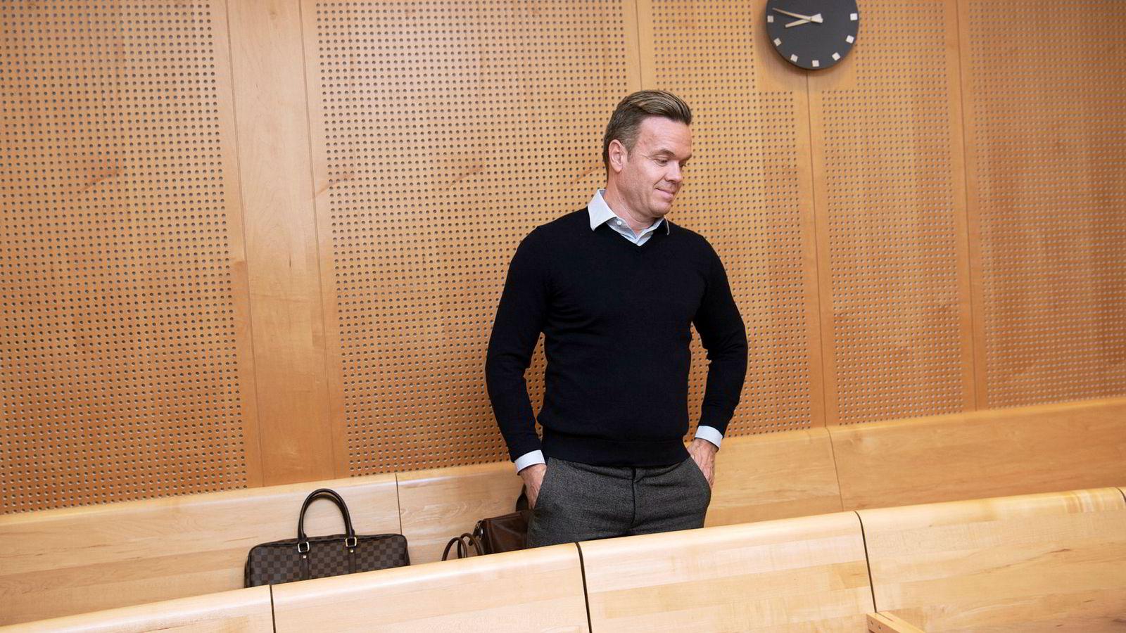 Tidligere eier av «golden oldies»-selskapet Omicron, Bernt D. Ellingsen, møtte denne uken til muntlige forhandlinger i Oslo tingrett.