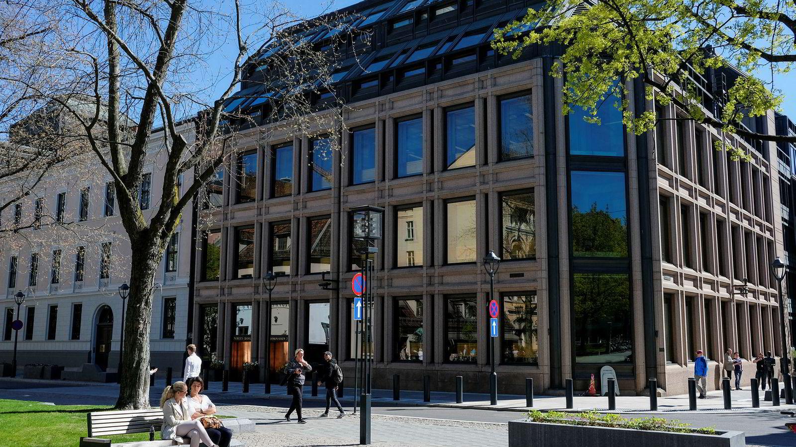Norges Bank har varslet renteøkninger i september. Det er ikke noe nytt. Norges Bank har en lang tradisjon for å avlyse disse. Denne gangen er det imidlertid mer grunn til å ta prognosene alvorlig, skriver Roger Bjørnstad.