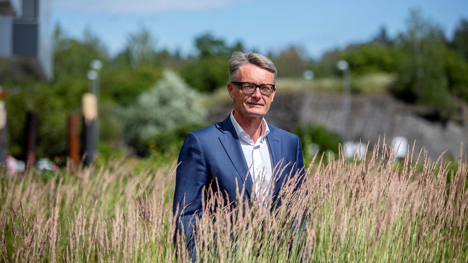 Aker-sjef Øyvind Eriksen mener det er uakseptabelt at Aker BP – der Aker er største eier – og Equinor ikke klarer å bli enig om utvikling av et stort oljefelt i Nordsjøen. I mellomtiden ligger ressursene helt urørt.