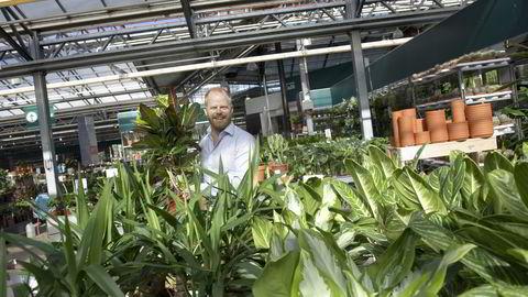 Plantasjen og toppsjef Jon Abrahamsson var ventet å være det neste forbrukerorienterte selskapet på Oslo Børs. Nå selges Plantasjen til nok et oppkjøpsfond. Foto: Elin Høyland
