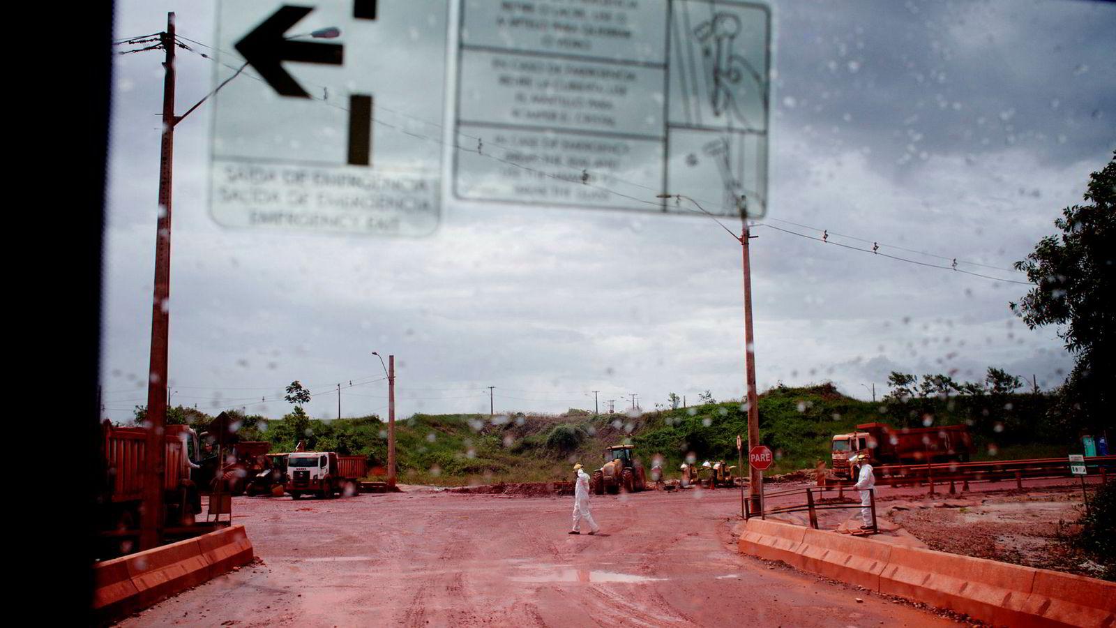 Fra Hydros aluminaraffineri Alunorte, i Brasil. Anlegget har gått for halv maskin i over fem måneder. Nå melder myndighetene om fremgang i avtaleforhandlingene med Hydro.