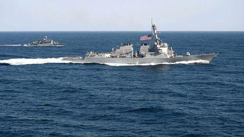 Den amerikanske destroyeren USS Lassen passerte tidligere i år innenfor 12 nautiske mil fra Spratlyøyene i Sør-Kinahavet, som Kina legger krav på. Her er skipet under en fellesøvelse med Sør-Korea i mars. Foto: Martin Wright/US Navy/AFP/NTB Scanpix