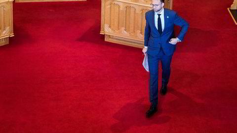 Utviklingsminister Nikolai Astrup (H) vil reformere Norad, men løsningen møter kraftig motstand.