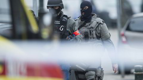 Politi og spesialstyrker ble beskutt i Brussel tirsdag. Foto:  Laurie Dieffembacq/AFP/NTB SCANPIX