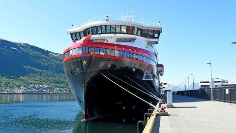 Hurtigruten vurderer å flagge ut flere skip. Det får hovedtillitsvalgt til å reagere. Foto: Rune Stoltz Bertinussen / NTB scanpix