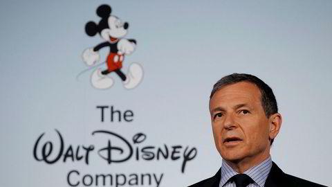 Disney-sjef Bob Iger tjener over en halv milliard kroner, noe som har fått en av arvingene til å se rødt.