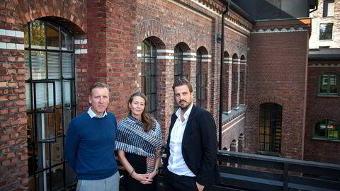 De mener innovasjonsordningen Skattefunn er essensiell for norsk forskning og innovasjon, og frykter konsekvensene hvis selskaper med stram økonomi nå kan nektes Skattefunn-penger – og i verste fall kan tvinges til å betale tilbake flere års støtte. Fra venstre, Andreas Mollatt, daglig leder i gründerbedriften Otivio, Kathrine Myhre, daglig leder i Norway Health Tech, og gründer og daglig leder Kjell Are Furnes i Ably.
