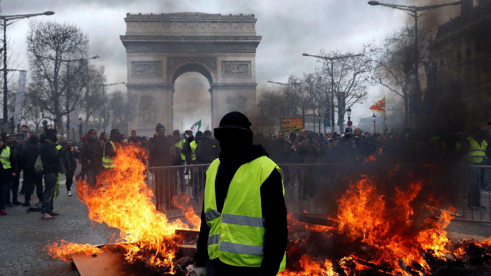 Det er ventet nye demonstrasjoner fra De gule vestene i Frankrike lørdag.