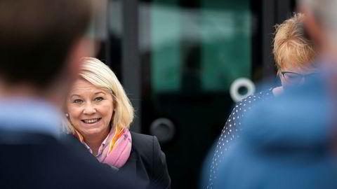 Kommunal- og moderniseringsminister Monica Mæland (H) kan skryte av at nesten 1.200 statlige arbeidsplasser er flyttet ut av eller etablert utenfor Oslo arbeidsmarkedsregion under denne regjeringen.
