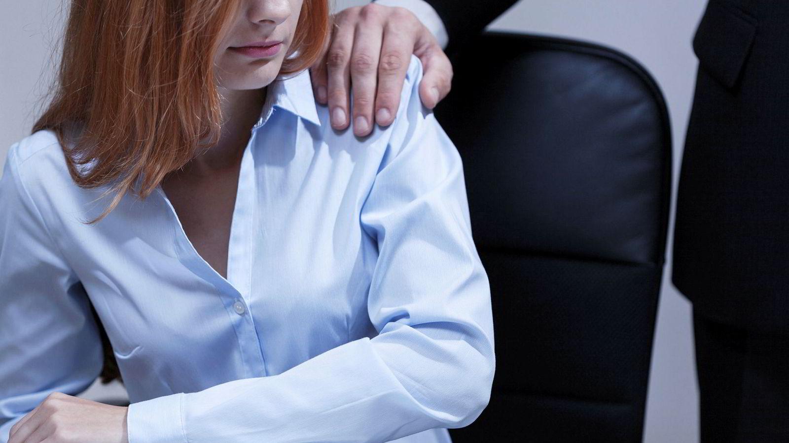 Selv om en del av skandalene fra Metoo nå har blåst over, betyr ikke dette at problemene med trakassering på arbeidsplasser er over, skriver innleggsforfatteren.