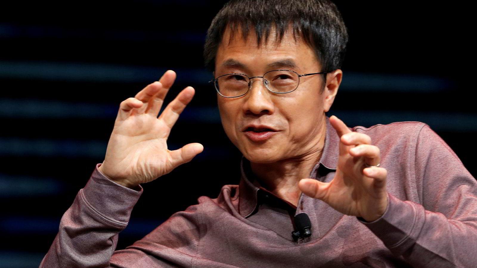 Qi Lu, administrerende direktør og nestleder i styret i den kinesiske bilprodusenten Baidu, svarer på sprøsmål under bilmessen i Las Vegas i helgen.