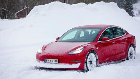 Mange nordmenn venter på at Tesla Model 3 kommer til landet.