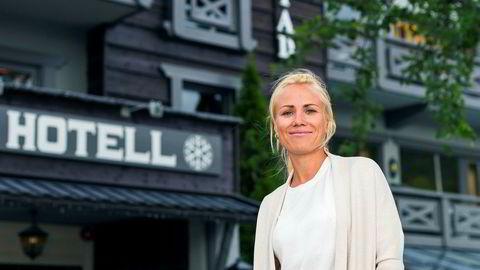 Marte Steimler Torset fryder seg over rekordbesøk av asiatiske gjester på Skogstad Hotell i Hemsedal.