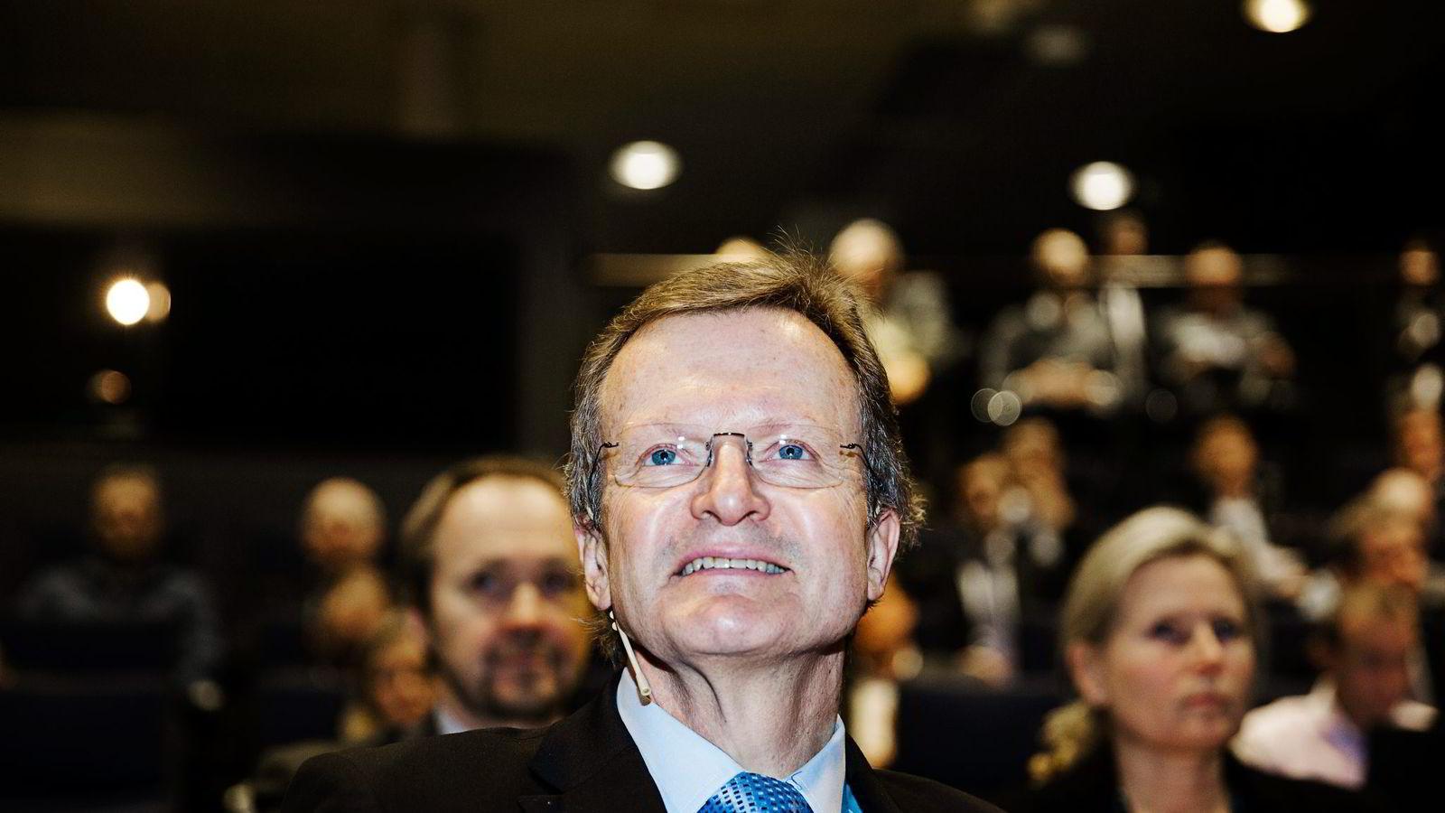 TILLIT. Telenor-sjef Jon Fredrik Baksaas har fått nok en kinkig sak i fanget.