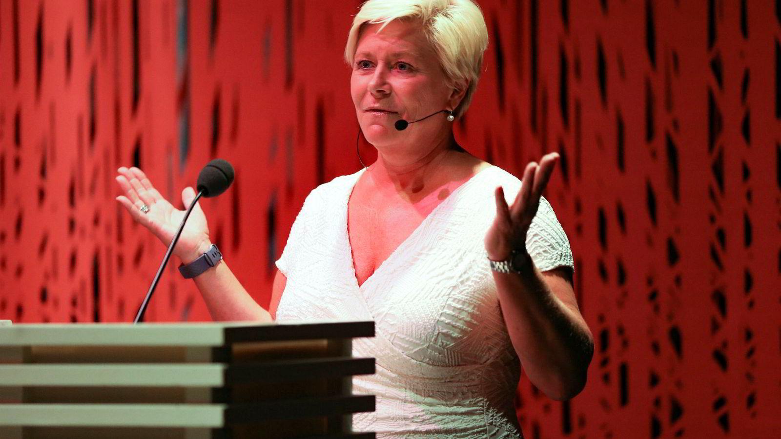 FrP-leder Siv Jensen holder sitt partilederforedrag på Litteraturhuset tirsdag ettermiddag.