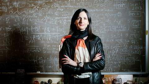 Sara Seagers forskning førte til den første oppdagelsen av en planetatmosfære utenfor vårt solsystem. Nå jakter hun på jordens tvilling: En steinplanet med temperatur som gjør at vann holder seg flytende.