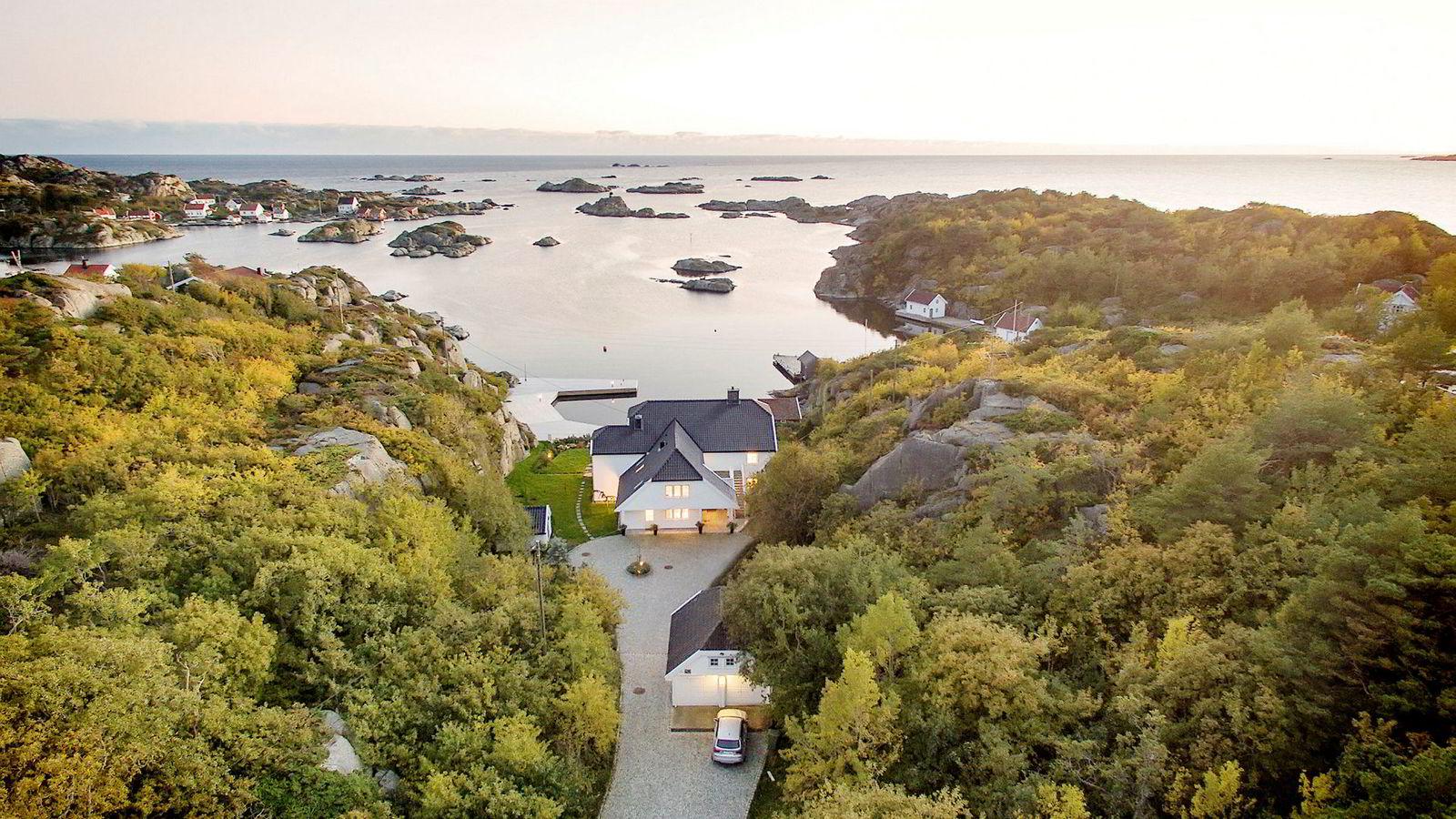 Europris-arving Dag Høili har solgt Kampedalen i Lillesand kommune.