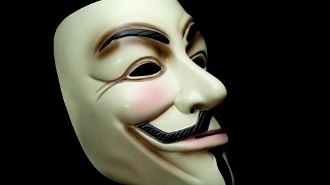 Slike Guy Fawkes-masker er det internasjonale symbolet til hackergruppen Anonymous. Illustrasjonsfoto: Jacopo Werther/Wikimedia Commons