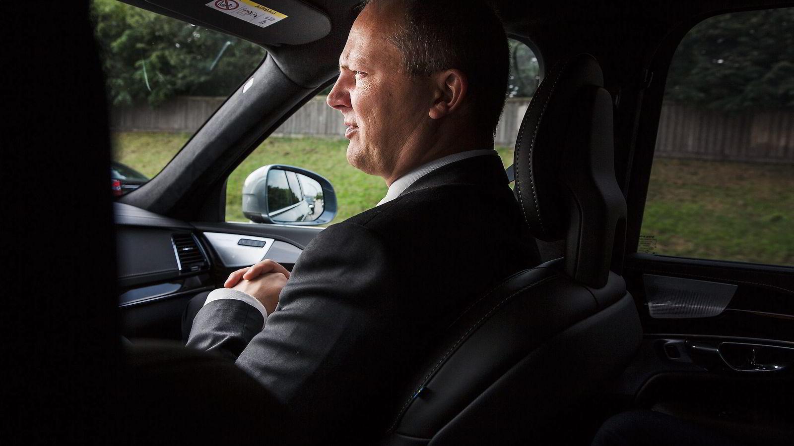 Samferdselsminister Ketil Solvik-Olsen er langt unna valgløftene om kutt i bompengene. Foto: Per Thrana