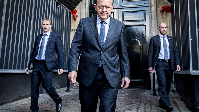 Statsministerkandidat Lars Løkke Rasmussen (i midten) har en vanskelig oppgave foran seg med å få dannet en ny borgerlig regjering i Danmark. Foto: Reuters / NTB scanpix